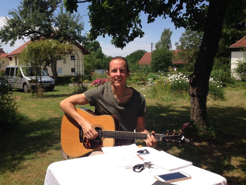 https://en.xumbalu.de/wp-content/uploads/2016/05/Lebensmusik_Garten.jpg